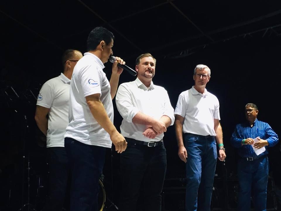 Emerson Bacil, à convite da prefeitura de Canoinhas, participa da abertura natalina