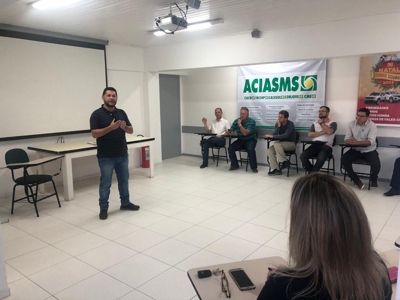 Luciano Castilho é escolhido, por aclamação, novo presidente da ACIASMS