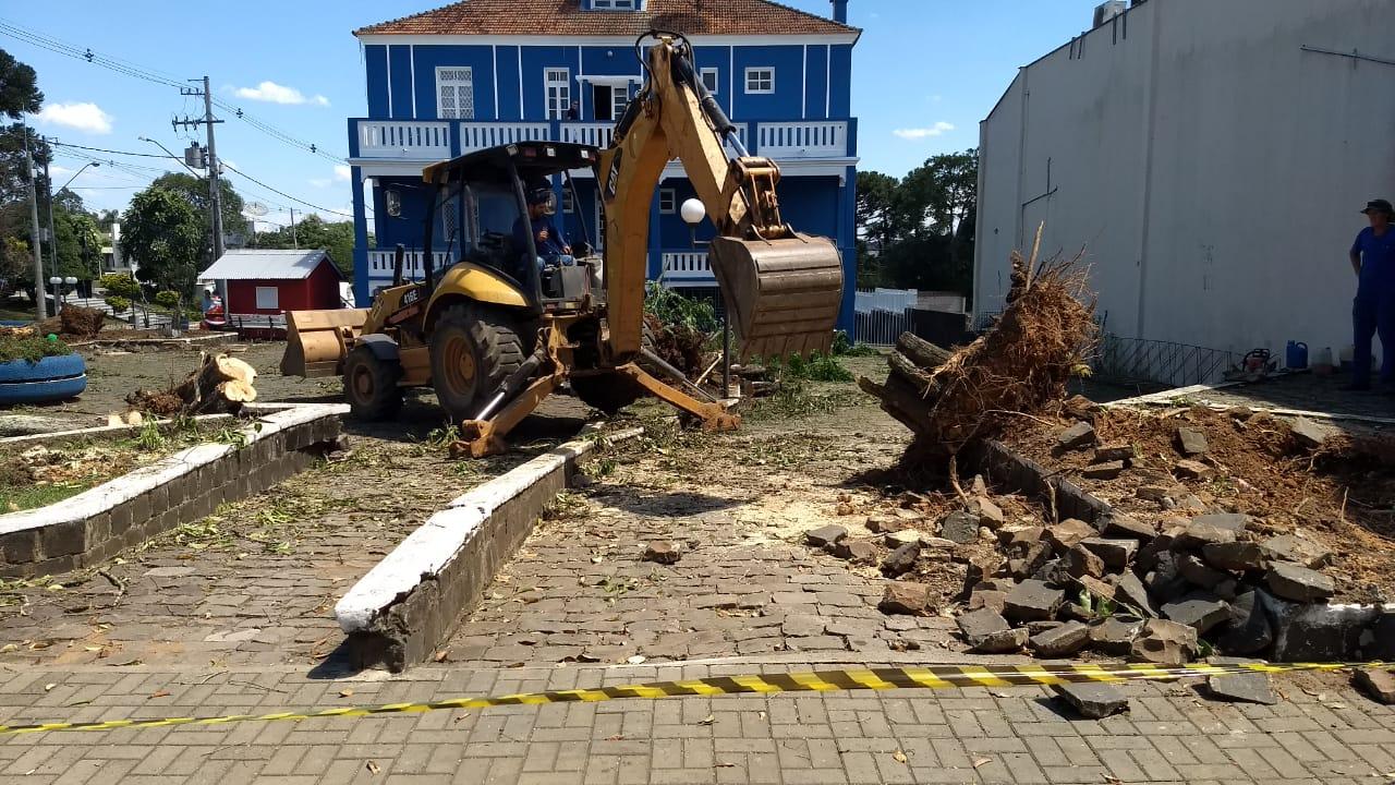 Iniciaram-se as obras para a 'Rua do Mate' em São Mateus do Sul