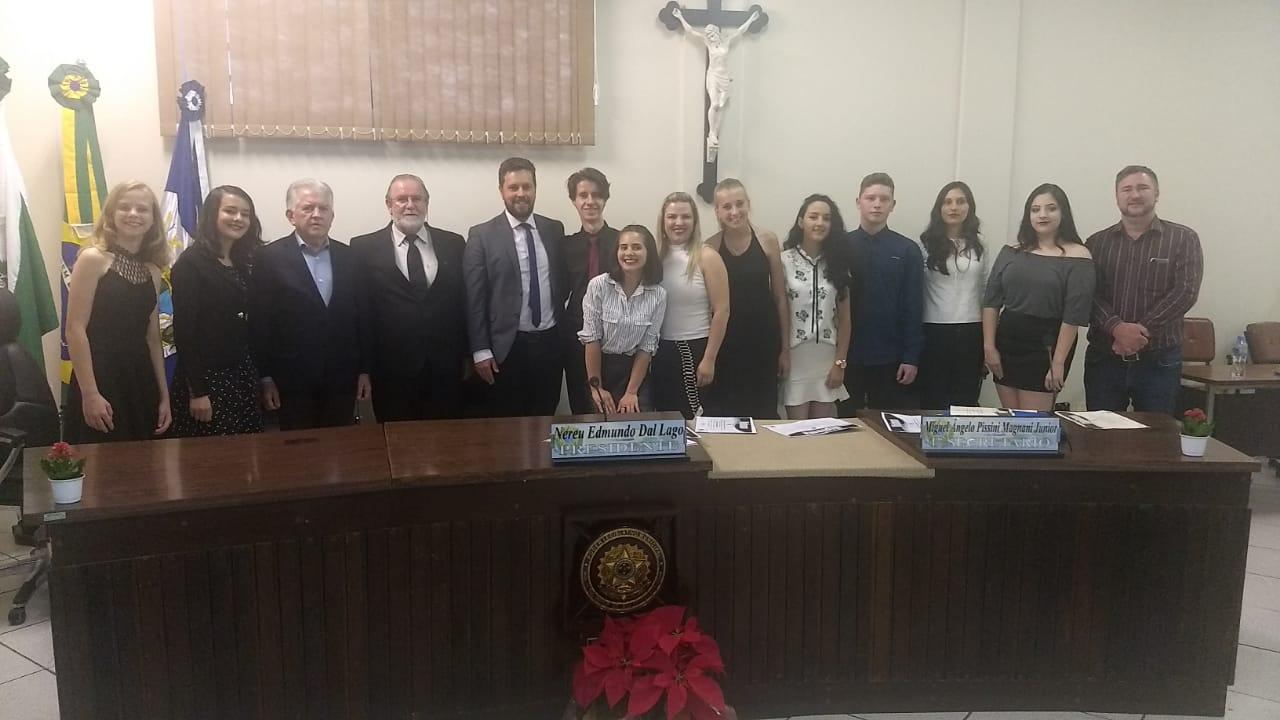 Vereadores mirins são empossados na Câmara Municipal de São Mateus do Sul