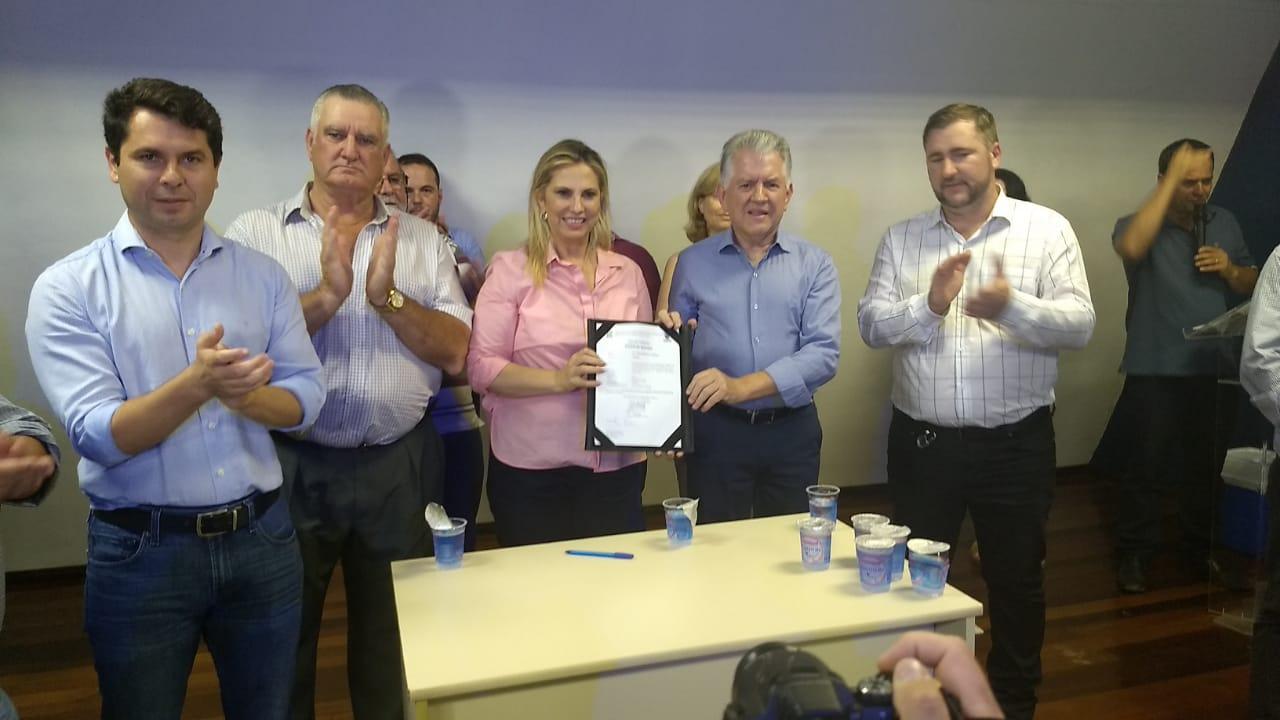 Cida Borghetti assina ordem de serviço da pavimentação PR-364
