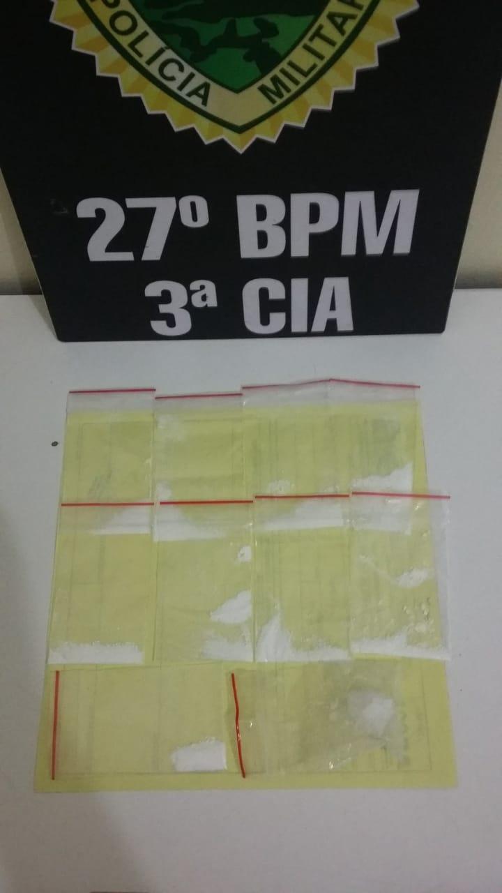 Quatro mulheres são pegas com cocaína em quitinete na Vila Nepomuceno