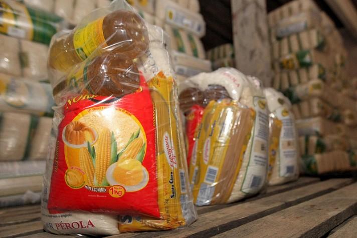 Alimentos da cesta básica estão mais caros em 16 capitais, aponta Dieese