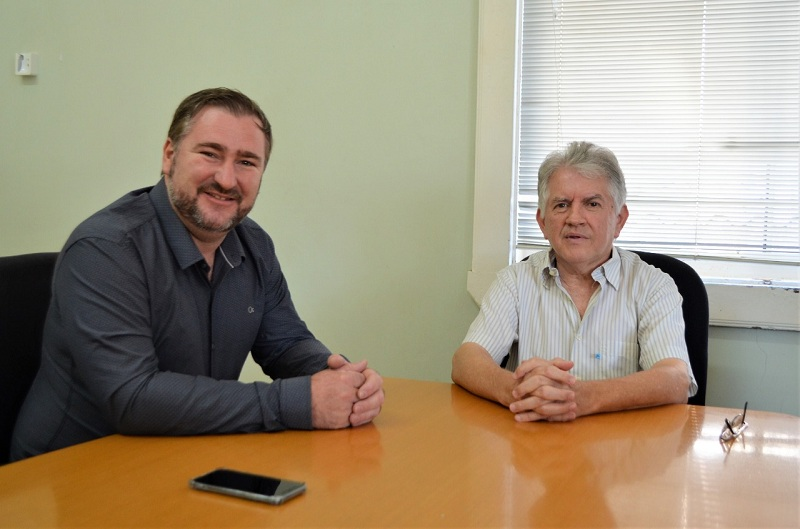 Emerson Bacil tem agenda com prefeito Luiz Adyr e oferece apoio