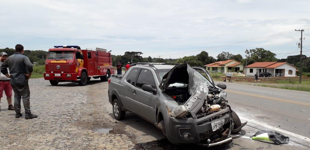 Bombeiro é atingido por 1 pneu na BR 476 e segue para Curitiba