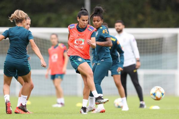 Brasil precisa só de empate com a Itália para ir às oitavas do Mundial feminino