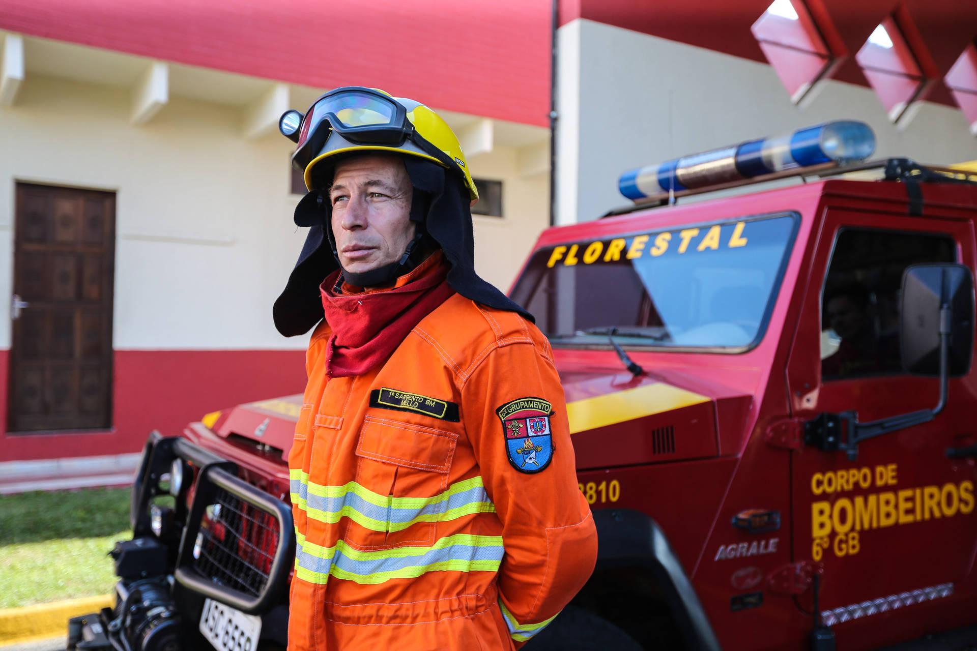 Governador libera bombeiros para combate a queimadas na Região Amazônica