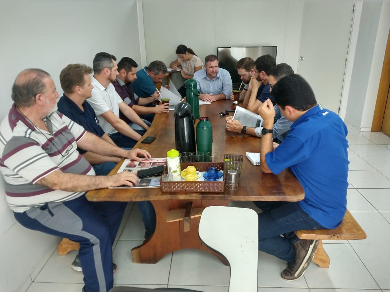 Bacil reúne lideranças para organizar agenda com Petrobrás no Rio de Janeiro