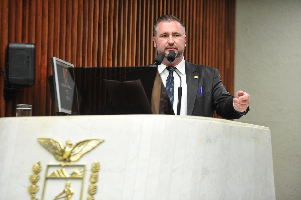 Deputado se posiciona contra divulgação de documentário relativo aos fumicultores