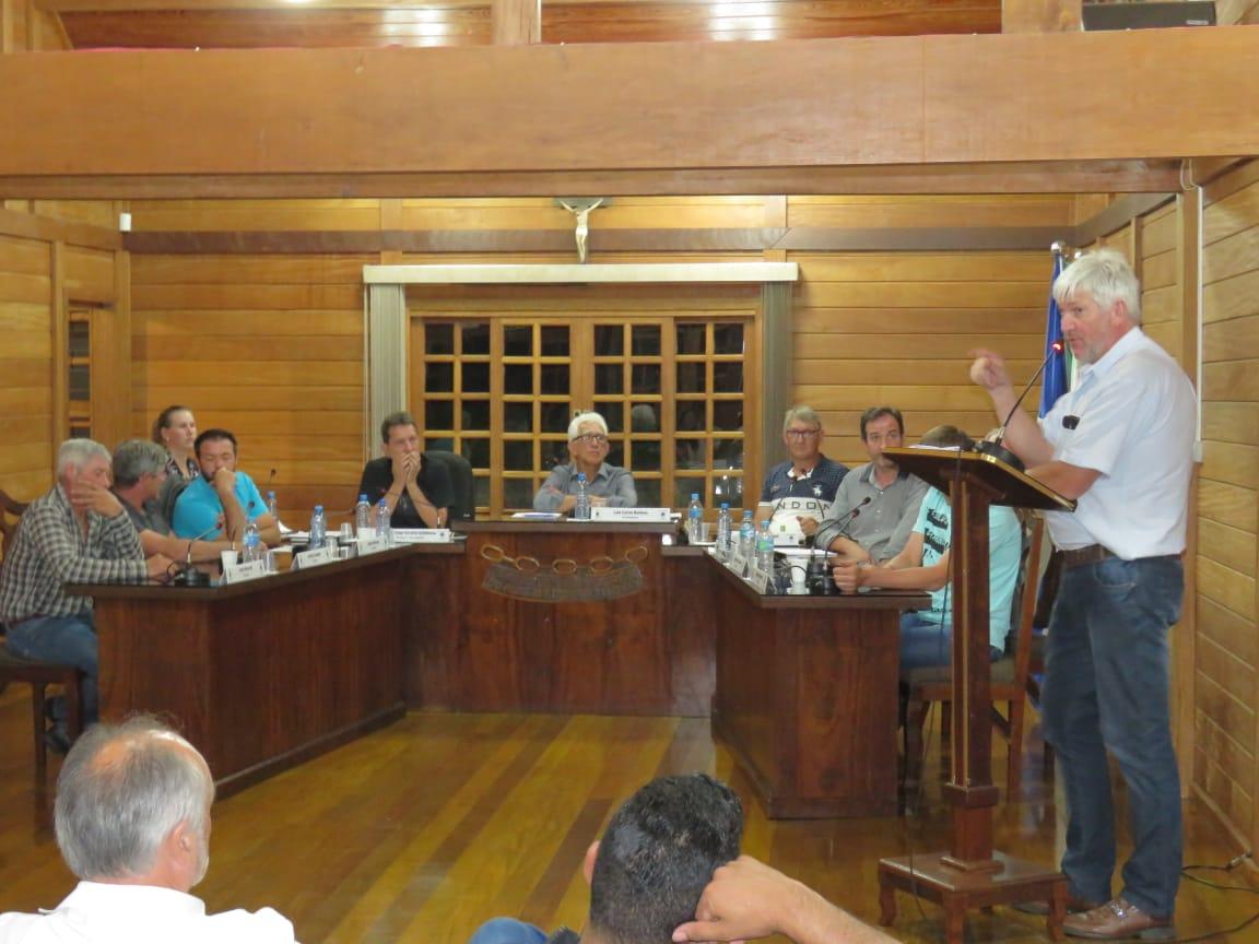 Porto Vitória se move para   manter-se município após   'ameaça' de sua extinção