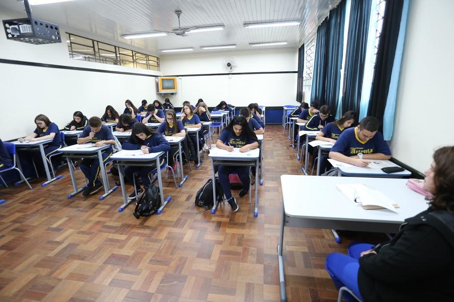 Paraná vai ampliar oferta de educação integral para 2020