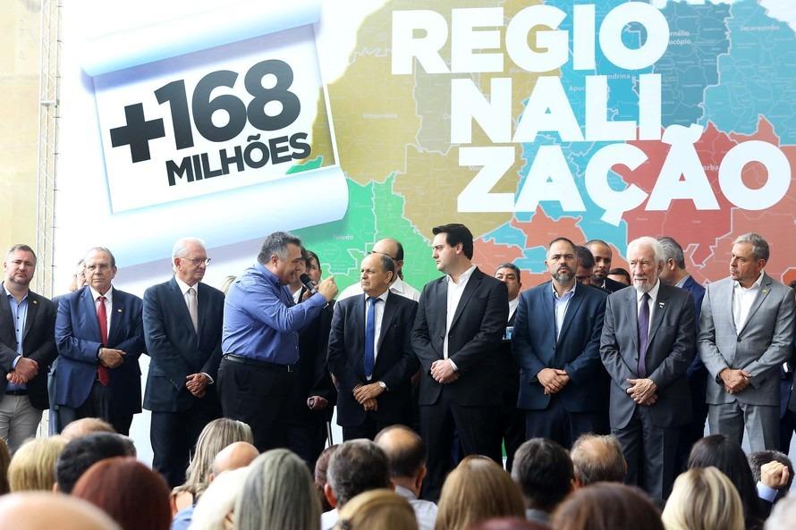 Ratinho anuncia recursos para a Saúde. Emerson Bacil indica R$ 2.000.000,00