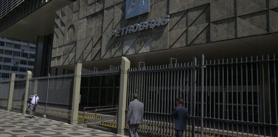 Petrobras confirma redução no preço da gasolina e diesel nas refinarias