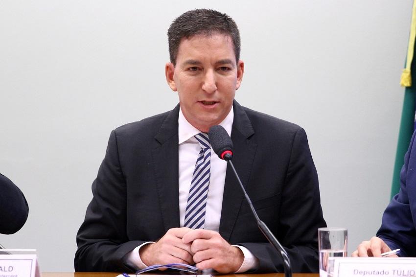 Glenn Greenwald é denunciado pelo MPF por associação aos invasores de telefones de autoridades em 2019