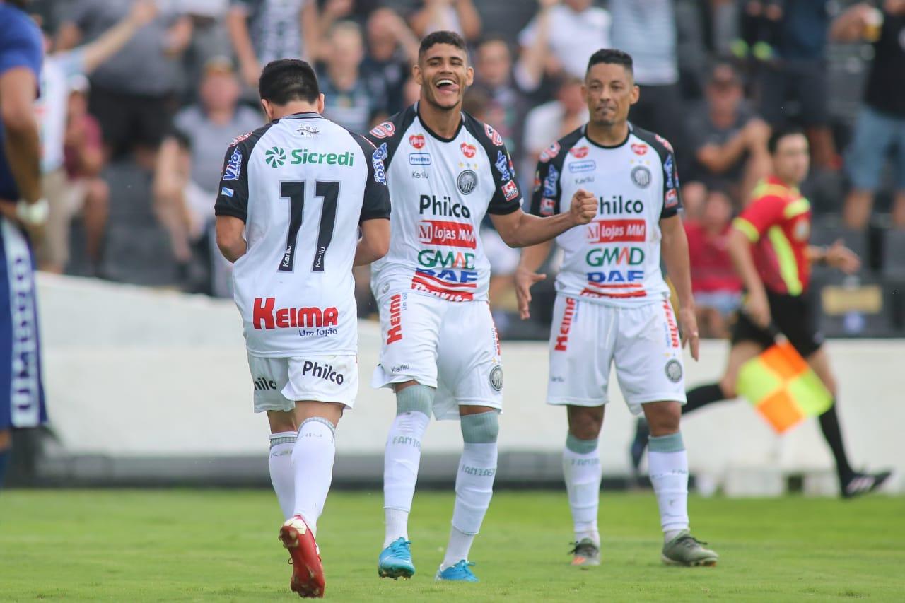 Operário de Ponta Grossa é 3º no  Paranaense. Athletico perde e Coritiba sem mantém invicto