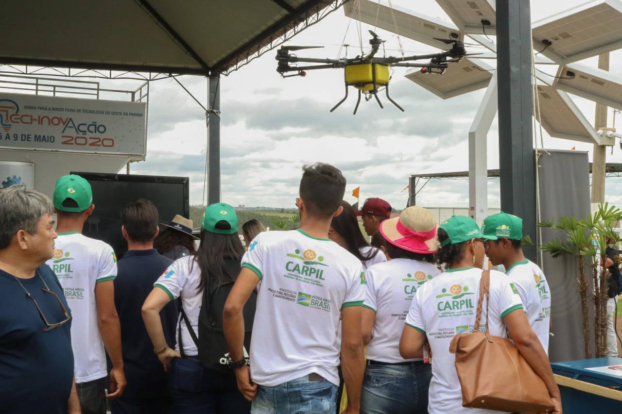 Unioeste lança drone para pulverização agrícola