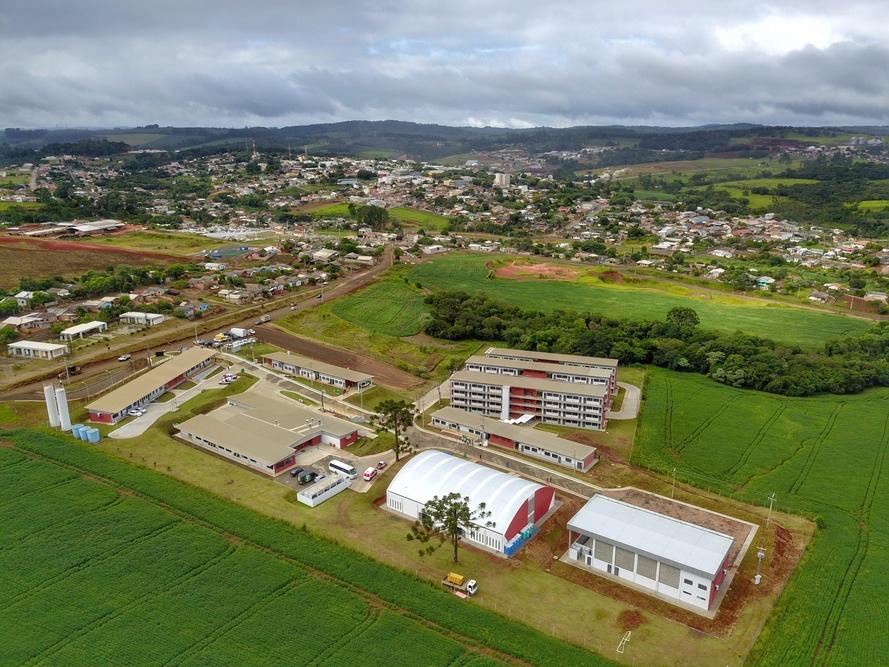Paraná abre primeira escola técnica de operação florestal do Brasil