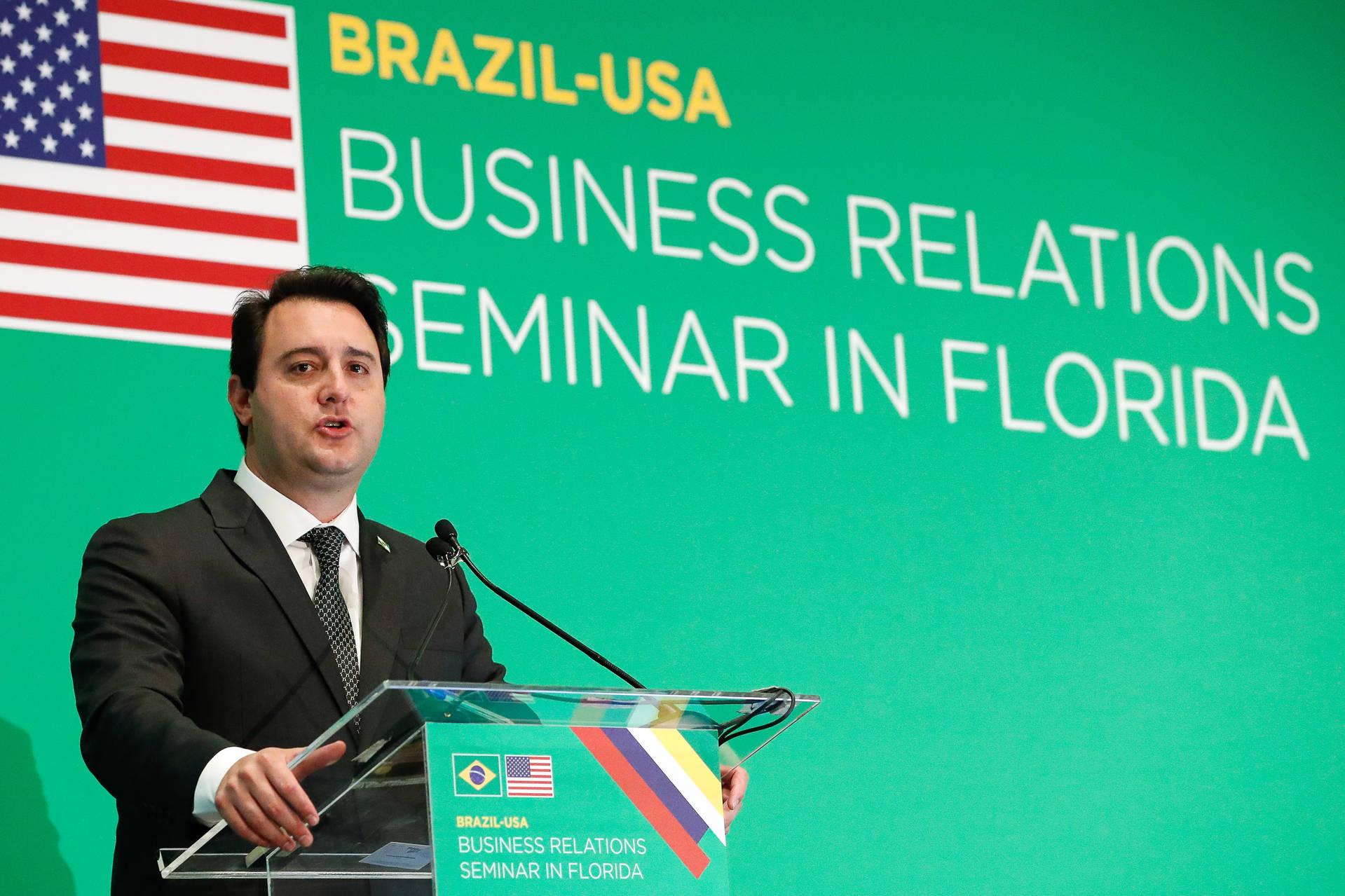 Ratinho Junior é o único governador a acompanhar o presidente Bolsonaro na missão brasileira nos EUA e  fala sobre oportunidades do estado do Paraná.
