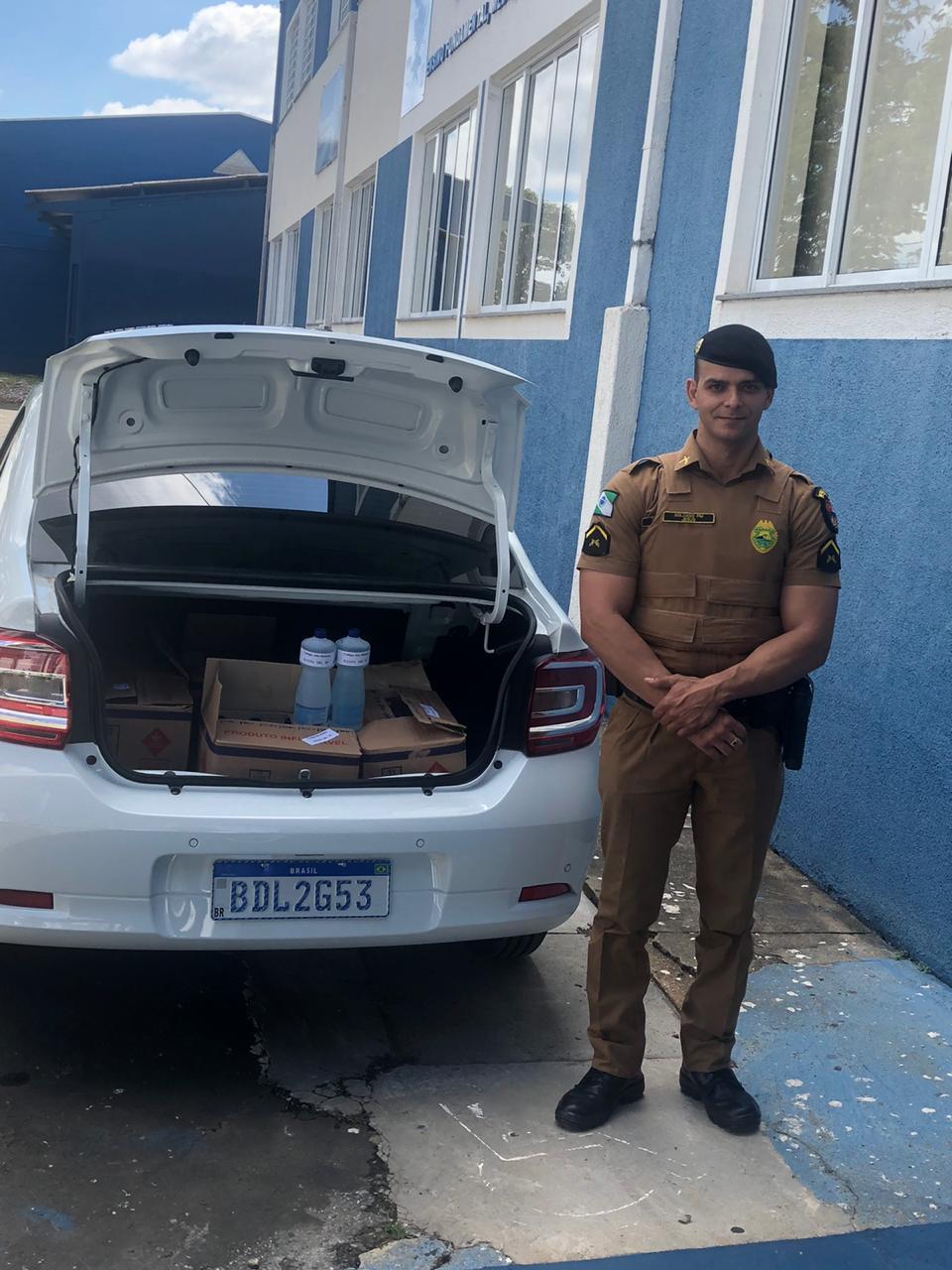 Colégio Estadual São Mateus entrega última carga de álcool gel.
