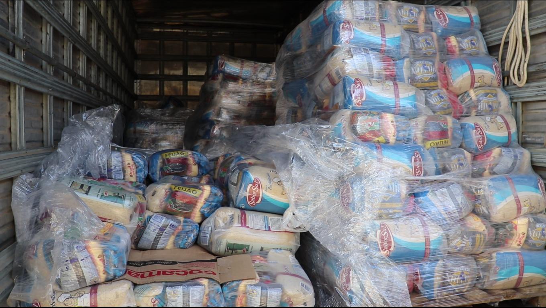 Entrega de cestas básicas no Paraná