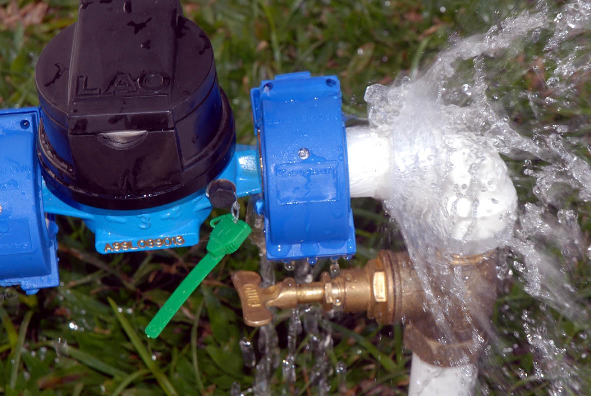 Sanepar alerta população para proteger o hidrômetro