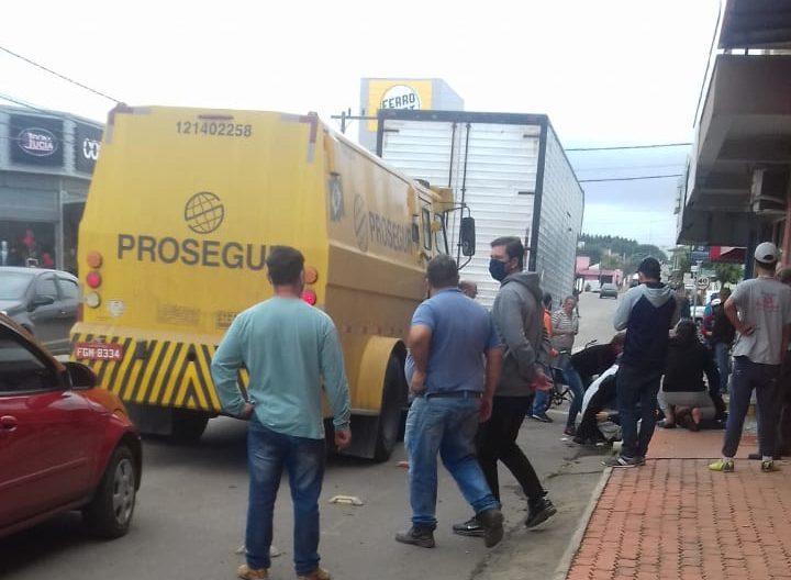 Ataque a carro-forte deixa segurança ferido em Três Barras
