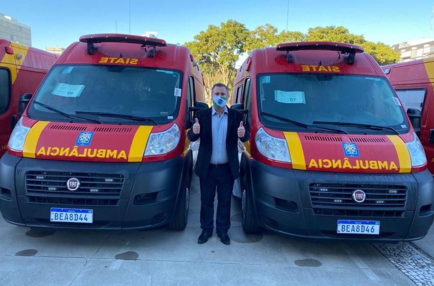 Bombeiros da região recebem ambulâncias e equipamento indicados por Bacil