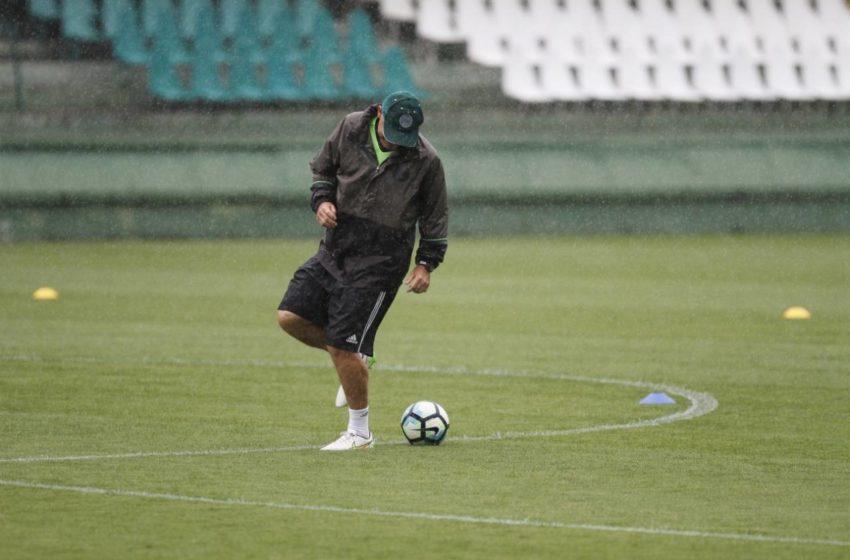 Saúde autoriza treinos físicos para clubes de futebol profissional