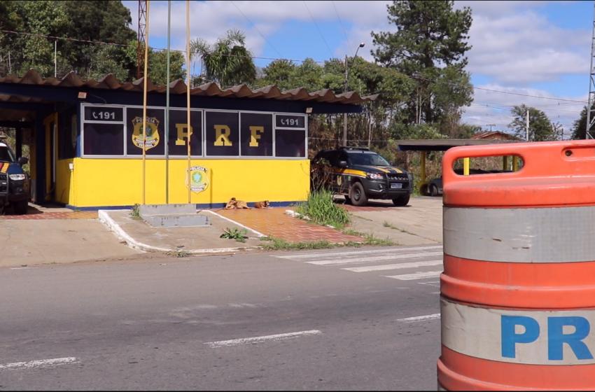 PRF apreende 21 mil maços de cigarros contrabandeados em São Mateus do Sul