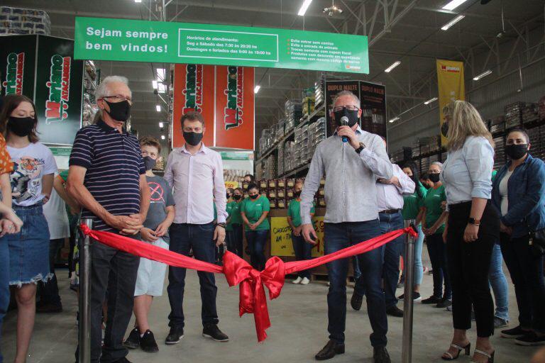 Mariano Atacadista inaugura e promove em torno de 100 novos empregos