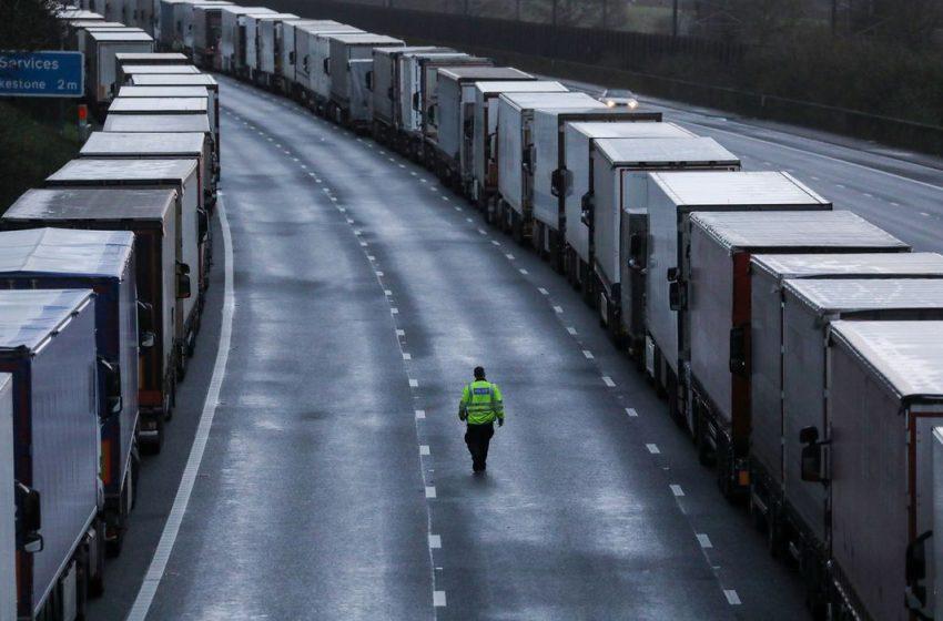 França reabre fronteira com Inglaterra para viajantes sem covid-19