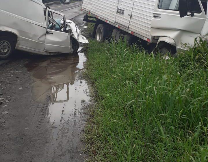 Motorista morre em acidente entre Carro e Caminhão na BR280 em Três Barras.