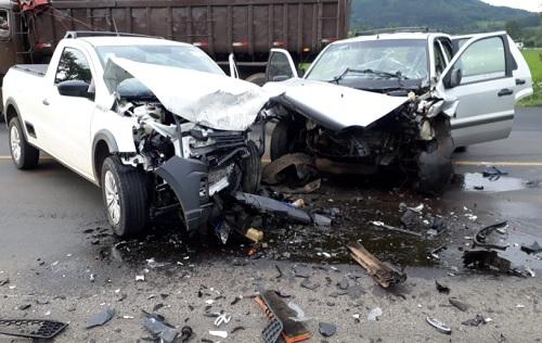 Acidente próximo a Paula Freitas na BR-476 deixa rodovia interditada e com vitimas