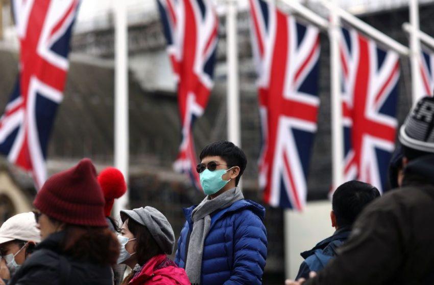 Fronteiras fechadas por mutação de vírus pode deixar ingleses desabastecidos