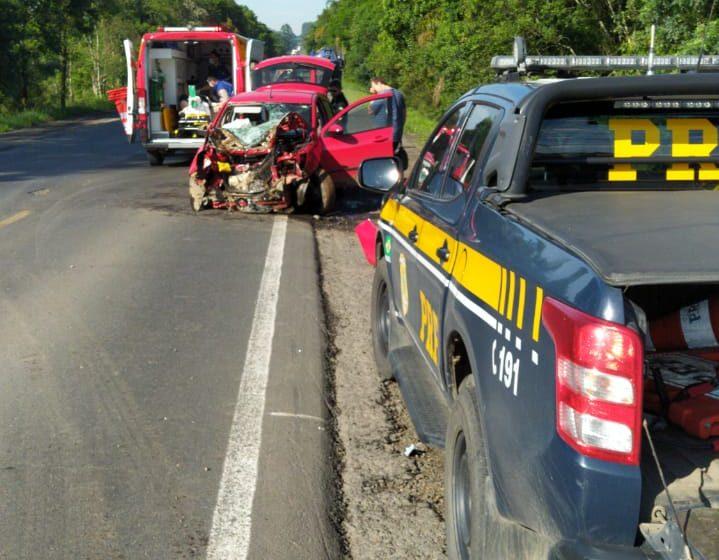 PRF e Corpo de Bombeiros de São Mateus do Sul atendem acidente na BR-476
