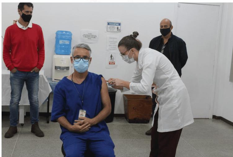 Palmeira inicia campanha de vacinação e faz apelo frente à Covid-19