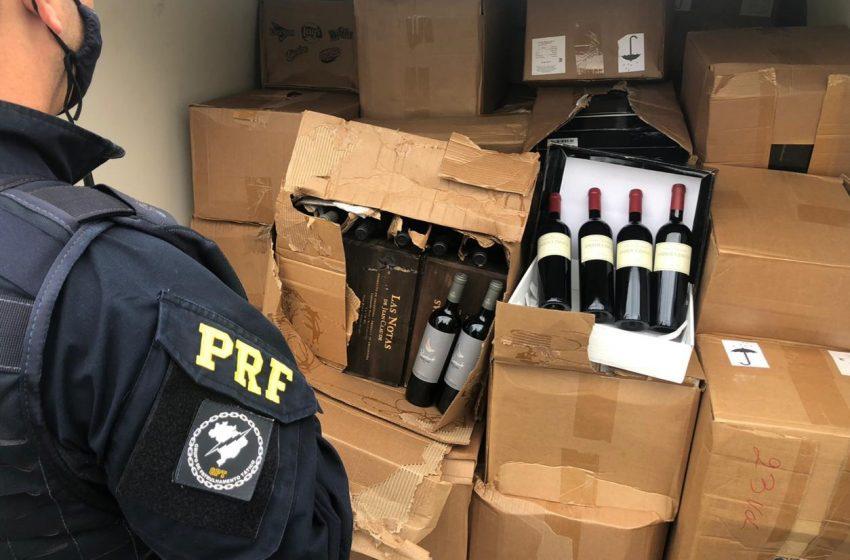PRF apreendeu carga com 2000 garrafas de vinhos em Irati