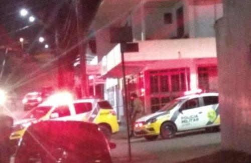 Homem é morto a facadas em briga de bar em General Carneiro