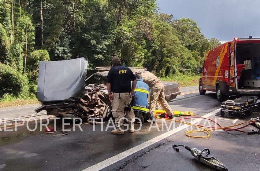 Homem fica preso nas ferragens em acidente na BR-153 em Porto Vitória