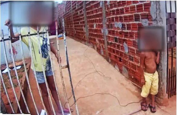 Mãe prende criança de 6 anos pelo tornozelo no muro de casa em Paranavaí