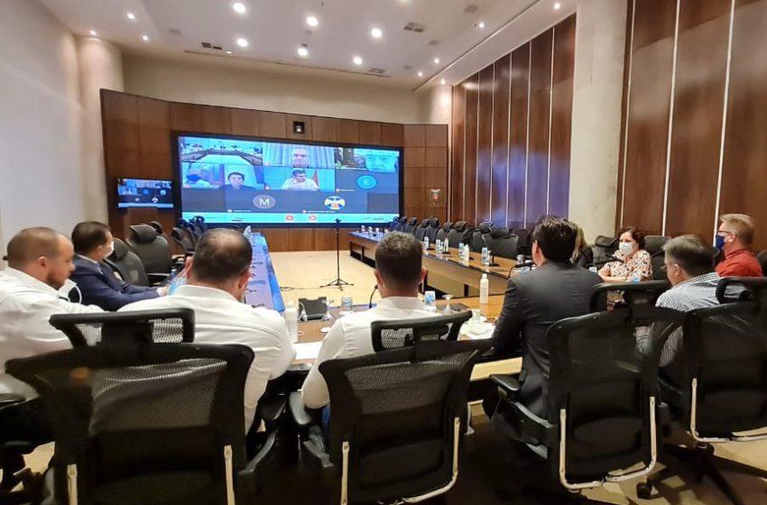 Governador do Paraná faz reuniões de emergência com prefeitos(as)