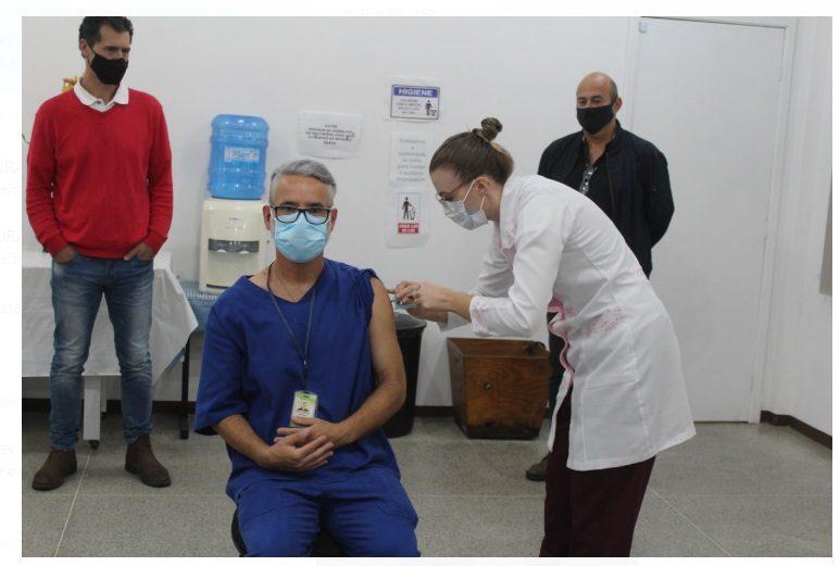 Palmeira prorroga decreto sobre Covid-19 e segue com vacinação