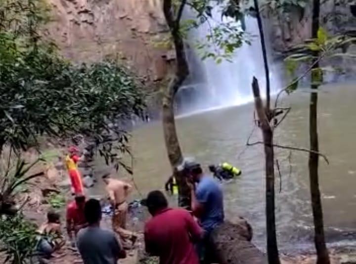 Casal de namorados morre afogado em cachoeira de Irati