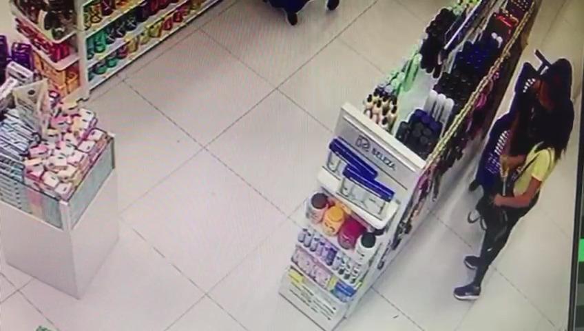 Câmeras registram furto de produtos em farmácia de São Mateus do Sul