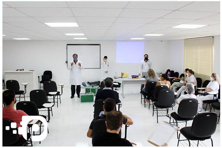 Palmeira treina profissionais da saúde para aperfeiçoar protocolo da Covid-19