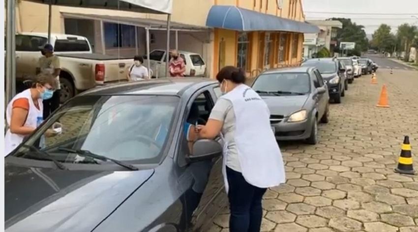 Domingo é dia de vacina contra Covid-19, em São Mateus do Sul para idosos com mais de 68 anos