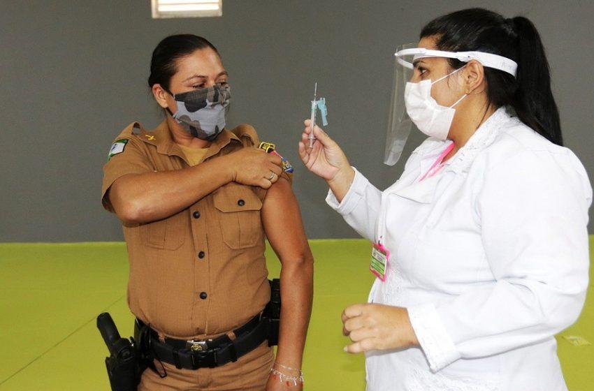 Deputado Bacil destaca decisão de priorizar a vacinação de policiais no Paraná
