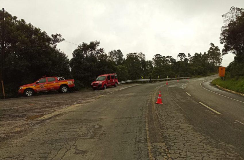 Veículo cai no açude e mãe e filha morrem no interior do automóvel, na BR-280