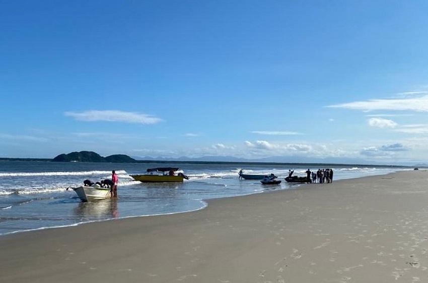 3 pessoas foram salvas por menina de 6 anos após barco virar no litoral do PR