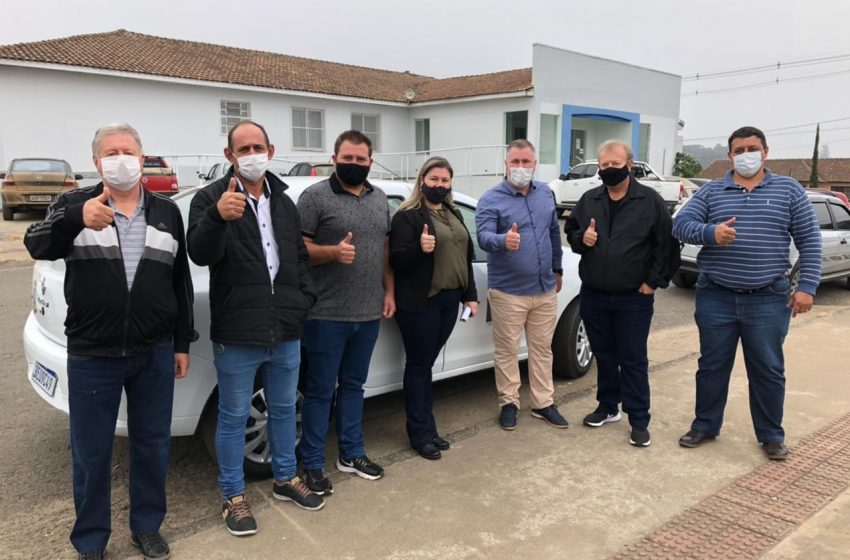 Por indicação do deputado estadual Emerson Bacil APAE de Paulo Frontin recebe veículo 0Km